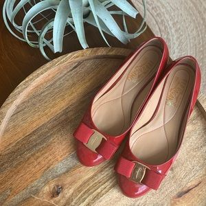 Salvatore Ferragamo bow flats in red, US 5.5